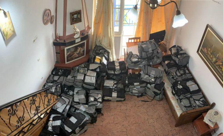 Παλιοί γνώριμοι των Αρχών οι εμπλεκόμενοι στη μεταφορά ενός τόνου κοκαΐνης | tovima.gr