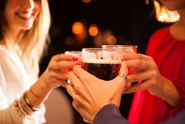 Νομοσχέδιο μας «κόβει» το αλκοόλ και φροντίζει για την υγεία μας | tovima.gr