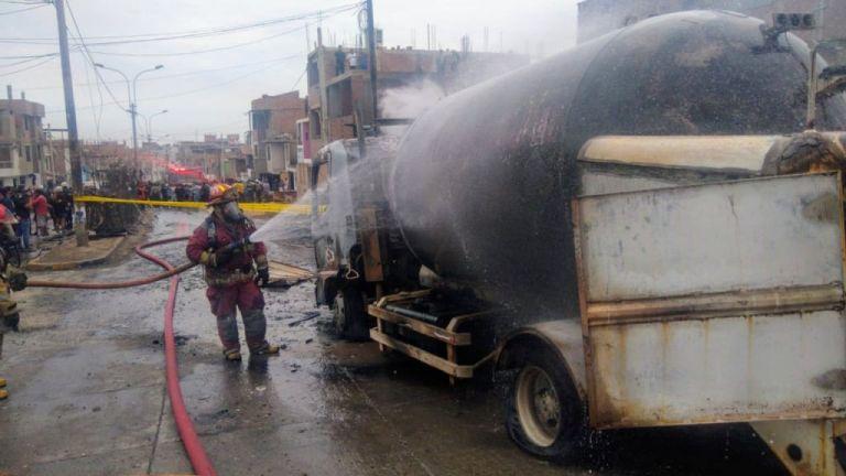 Περού: Εκρηξη βυτιοφόρου με αέριο – 13 νεκροί [Εικόνες] | tovima.gr