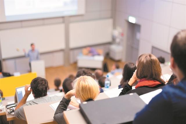 Το Ανοικτό Πανεπιστήμιο ανοίγει τα… φτερά του | tovima.gr