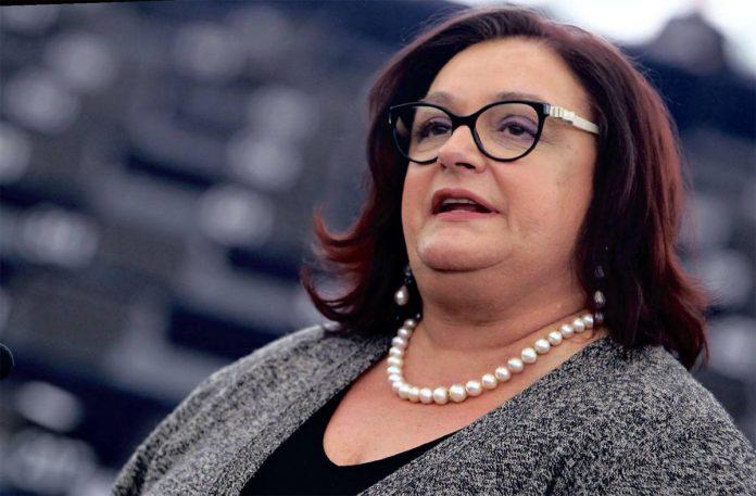 Γιαννάκου: Εμμένει στην καταψήφιση της διάταξης για εποπτευόμενους χώρους χρήσης ναρκωτικών   tovima.gr