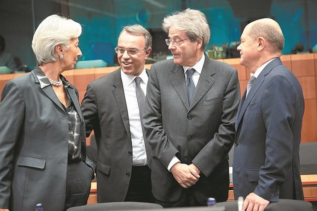 Δύσκολη εξίσωση οι μειώσεις φόρων και οι ανάγκες για αμυντικές δαπάνες | tovima.gr
