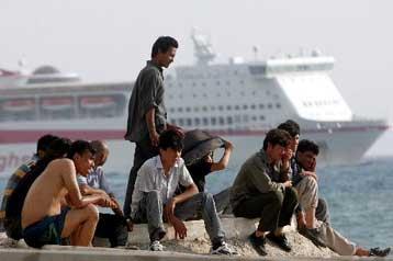 Πάτρα: Λιμενικοί εξάρθρωσαν κύκλωμα παράνομης διακίνησης μεταναστών | tovima.gr