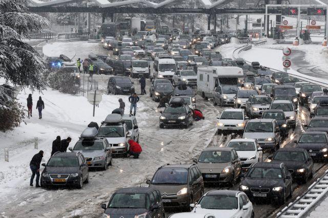 Νέα Οδός: Απαγόρευση κυκλοφορίας βαρέων οχημάτων λόγω κακοκαιρίας | tovima.gr