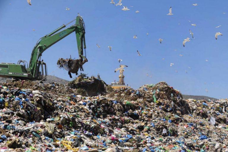Ευρωπαϊκό Δικαστήριο: Μείωση προστίμου για παράνομες χωματερές   tovima.gr