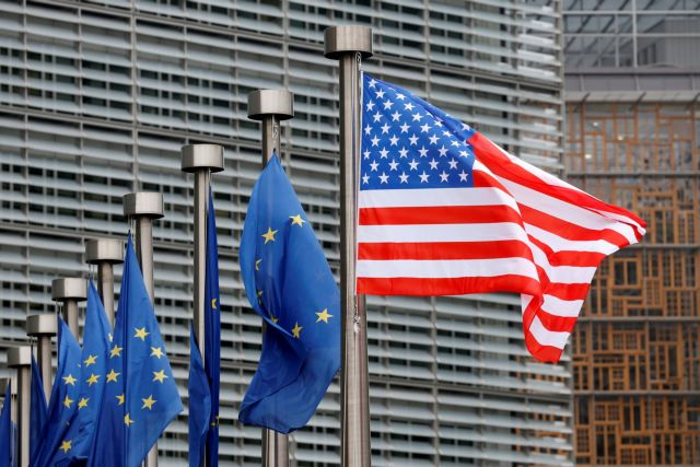 Τραμπ: «Σοβαρή διαπραγμάτευση» με την ΕΕ για μια εμπορική συμφωνία | tovima.gr