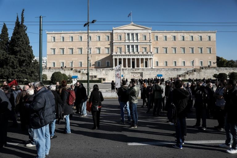 Μία (δυστυχώς) μείζων μεταρρύθμιση για τις πορείες και τις διαδηλώσεις   tovima.gr