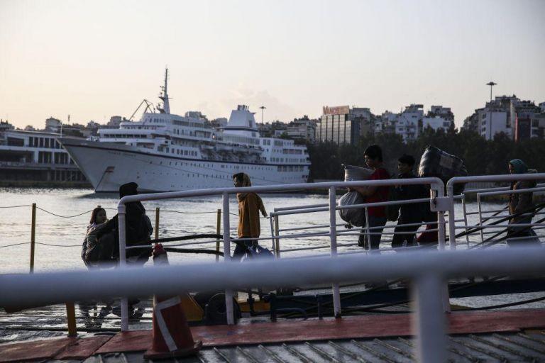 Πάτρα: Συνεχείς απόπειρες προσφύγων να ταξιδέψουν παράνομα προς Ιταλία   tovima.gr