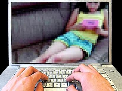 Πώς θα προστατέψετε τα παιδά από την πορνογραφία και τον εκφοβισμό μέσω διαδικτύου – Ετσι δρουν οι παιδόφιλοι | tovima.gr