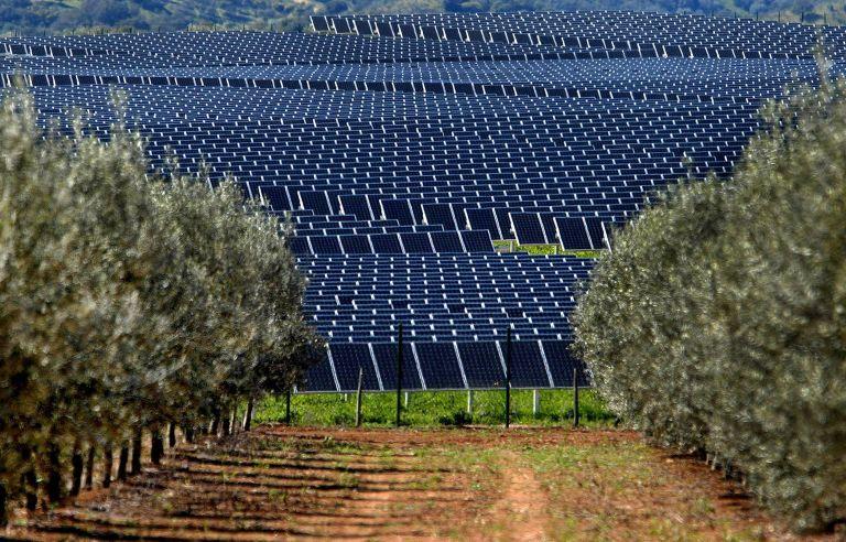Από τα ΕΛΠΕ το μεγαλύτερο φωτοβολταϊκό πάρκο στην Ελλάδα | tovima.gr
