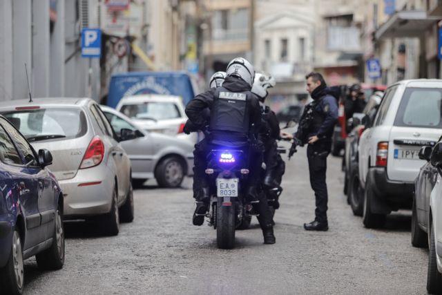 ΕΛ.ΑΣ: Νέα επιχείρηση στη Μενάνδρου – Ερευνες για τον εντοπιστών των δραστών του φονικού | tovima.gr