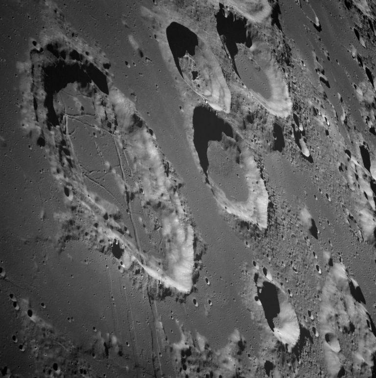 Νέα μέθοδος ανάλυσης πετρωμάτων της Σελήνης | tovima.gr