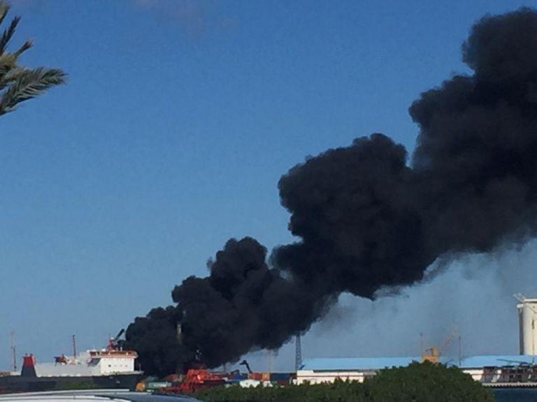 Επίθεση Χαφτάρ κατά τουρκικού πλοίου στο λιμάνι της Τρίπολης | tovima.gr