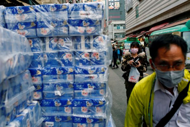 Κορωνοϊός: «Υπαρκτός ο κίνδυνος πανδημίας» – Εξαιρεί προϊόντα από πρόσθετους δασμούς λόγω ελλείψεων η Κίνα | tovima.gr