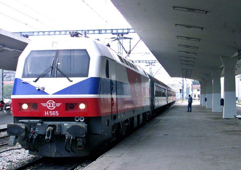 Ξεκίνησαν ορισμένα δρομολόγια τρένων μετά την παρέμβαση του υπουργού Μεταφορών | tovima.gr