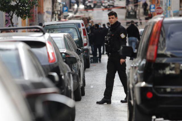 Περιπολίες κι έλεγχοι από δεκάδες αστυνομικούς των ΥΜΕΤ στην οδό Μενάνδρου   tovima.gr