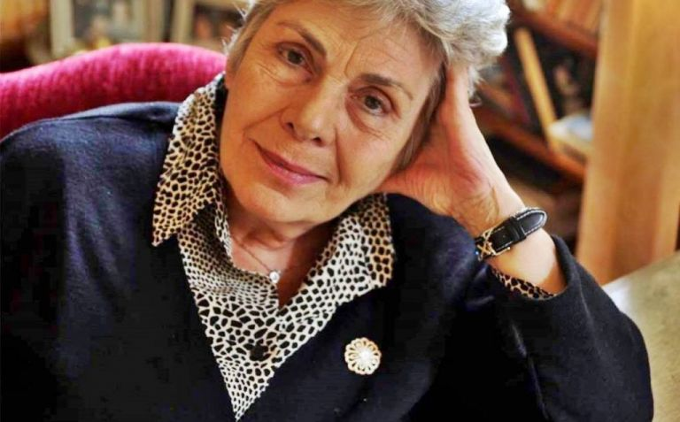 Κική Δημουλά: Η ποιήτρια που εξύμνησε την απώλεια του χρόνου και τη φθορά | tovima.gr