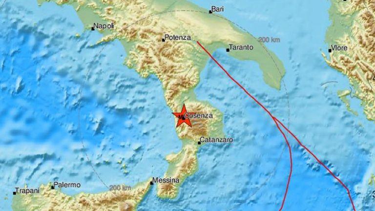 Ισχυρός σεισμός στη νότια Ιταλία | tovima.gr