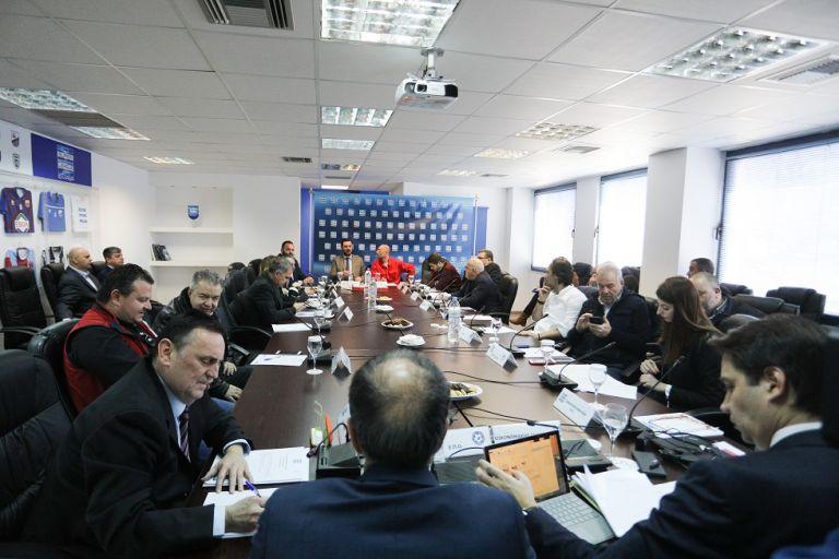 Ολυμπιακός : Υπέβαλε αίτημα για ξένους διαιτητές σε όλα τα ματς αλλά και στο VAR | tovima.gr
