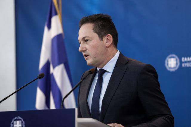 Πέτσας: Η κυβέρνηση δε θα καλούσε τον Μουτζούρη στη σύσκεψη για τις δομές | tovima.gr