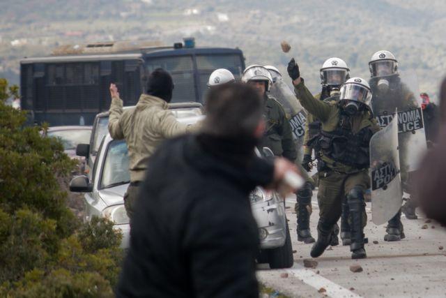 Έρευνα από την ΕΛΑΣ για τα επεισόδια σε Λέσβο και Χίο – ΕΔΕ εις βάρος αστυνομικών των ΜΑΤ | tovima.gr