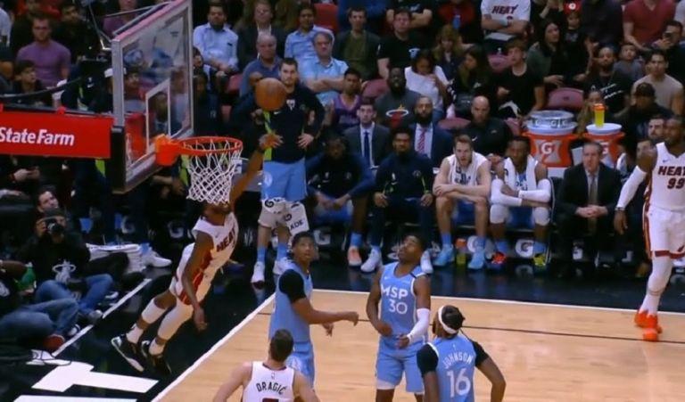 NBA Top 10: Στην κορυφή… πετώντας ο Ντέρικ Τζόουνς Τζούνιορ | tovima.gr