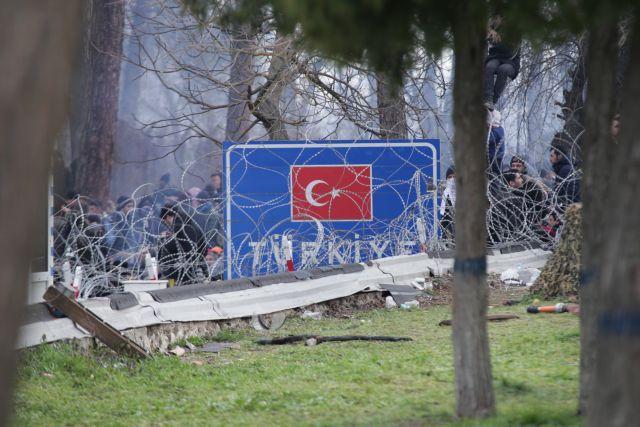 Έβρος: Πάνω από 13.000 πρόσφυγες στα ελληνοτουρκικά σύνορα   tovima.gr
