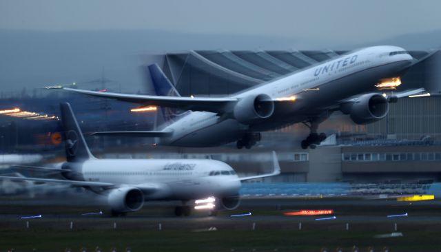 Η Lufthansa ακύρωσε πάνω από 7.000 πτήσεις έως το τέλος Μαρτίου λόγω κορωνοϊού | tovima.gr