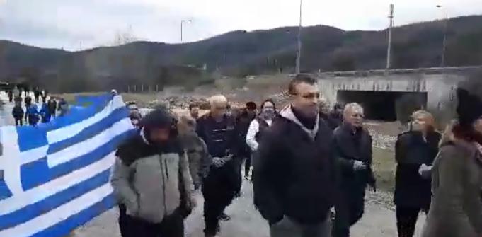 Σέρρες: Εντονες αντιδράσεις για την κλειστή δομή [Εικόνες]   tovima.gr