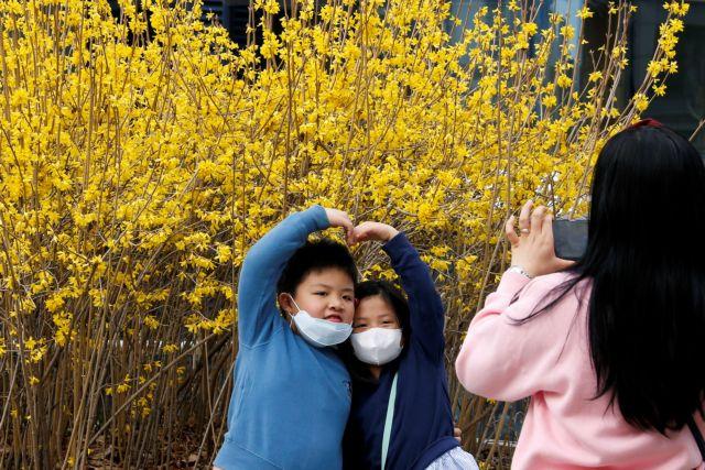 Κορωνοϊός: Τι εξηγεί τα πολύ χαμηλότερα ποσοστά θανάτων στη Νότια Κορέα | tovima.gr