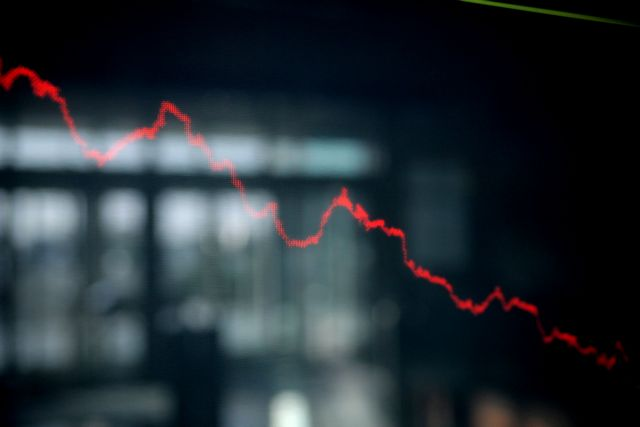 Κραχ σε Χ.Α και διεθνείς αγορές – Σε ελεύθερη πτώση οι τιμές του πετρελαίου | tovima.gr