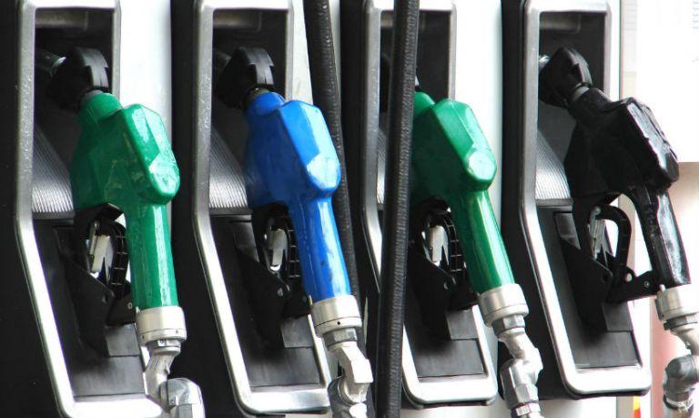 Εντατικοί έλεγχοι στα πρατήρια υγρών καυσίμων – Θα επιβληθούν πρόστιμα | tovima.gr
