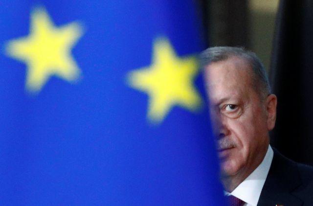 Επιμένει στο κλείσιμο των συνόρων ο Ερντογάν: Να ανοίξει η Ελλάδα τα δικά της | tovima.gr