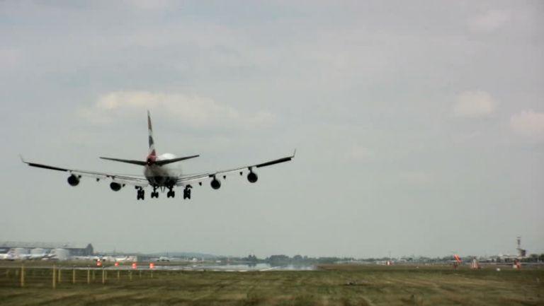 Ryanair: Αναστολή πτήσεων από και προς Ιταλία | tovima.gr