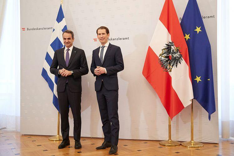 Μεταναστευτικό και οικονομία στο επίκεντρο της συνάντησης Μητσοτάκη – Κουρτς   tovima.gr