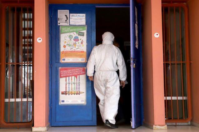 Κορωνοϊός: Ποια στοιχεία οδήγησαν στην απόφαση να κλείσουν όλα τα εκπαιδευτικά Ιδρύματα | tovima.gr