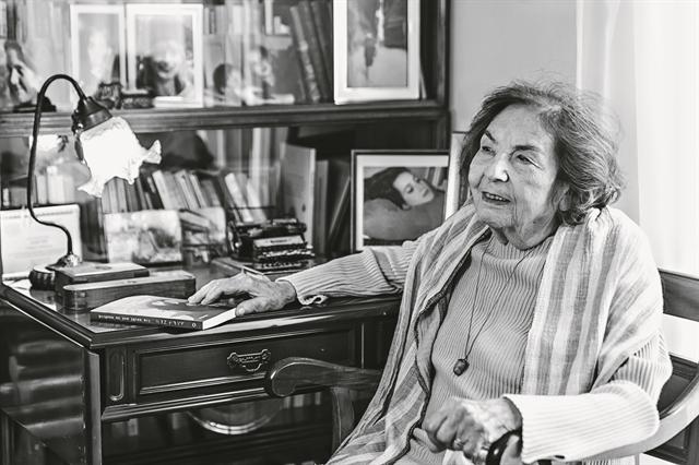Αλκη Ζέη (1923-2020): Τη διάβασανέξι γενιές Ελλήνων   tovima.gr