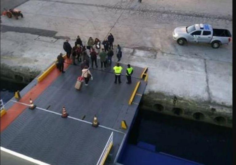 Κορωνοϊός: Σε καραντίνα πλοίο στη Λήμνο με 341 επιβάτες και 77 μέλη πληρώματος | tovima.gr