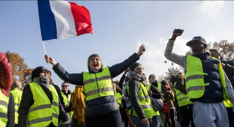 Γαλλία: Στους δρόμους «κίτρινα γιλέκα» – Αψηφούν τις απαγορεύσεις | tovima.gr