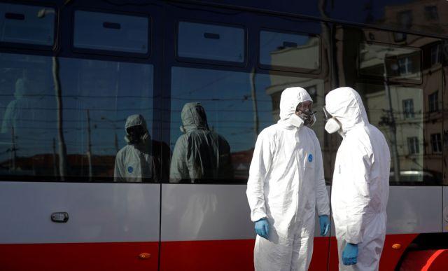 Κορωνοϊός: Οδηγίες από το υπουργείο Εργασίας για την πρόληψη μετάδοσης στους εργασιακούς χώρους | tovima.gr