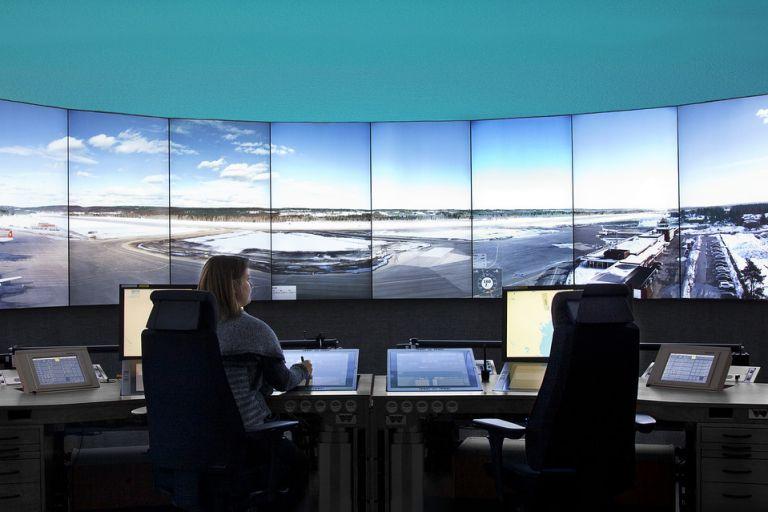 Κορωνοϊός: Παράταση των αδειών οδήγησης και των δελτίων ΚΤΕΟ – Κανονικά τα αεροδρόμια για λόγους ασφαλείας | tovima.gr