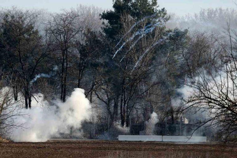 Νέα επεισόδια στις Καστανιές με χημικά και καπνογόνα | tovima.gr
