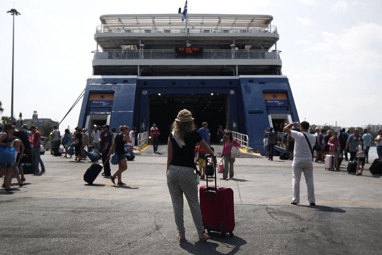 Κορωνοϊός: Απαγόρευση μετακίνησης προς τα νησιά σε μη μόνιμους κατοίκους | tovima.gr