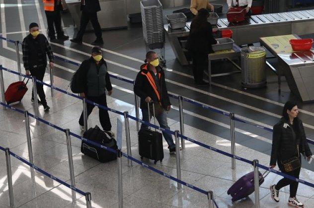 Πρόστιμο 5.000€ σε όσους παραβίασαν την καραντίνα επιστρέφοντας από το εξωτερικό | tovima.gr