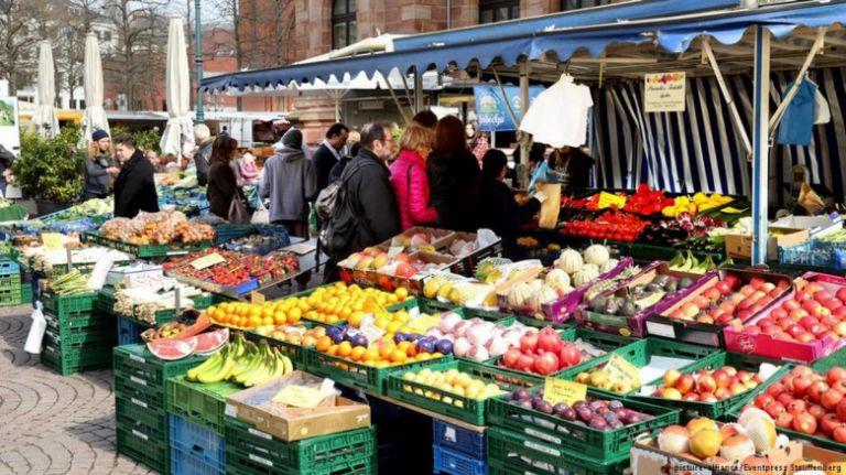 Λαϊκές αγορές: Αναστέλλεται η δραστηριότητα για κλάδους που απαιτείται μετακίνηση από περιφέρεια | tovima.gr