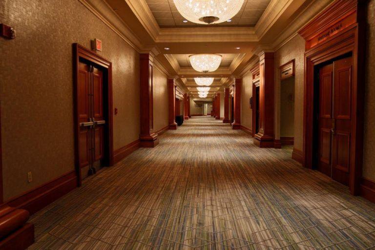 Η λίστα με τα 50 ξενοδοχεία που θα είναι ανοικτά σε όλη τη χώρα   tovima.gr