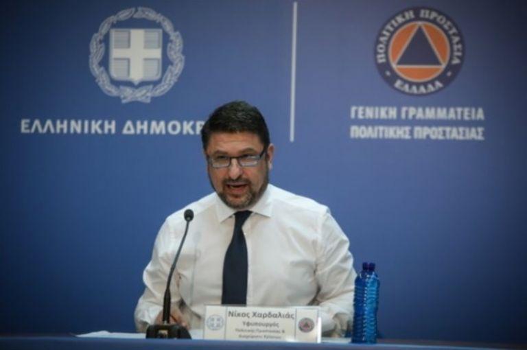 Σε κατ' οίκον καραντίνα 5.824 άτομα στην Ελλάδα | tovima.gr