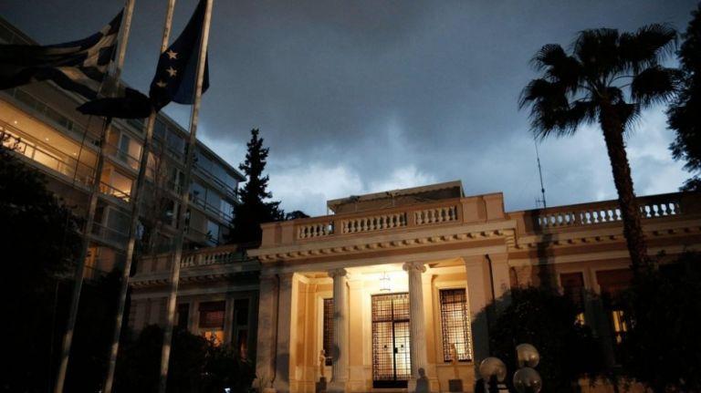 Κορωνοϊός : Έκτακτη σύσκεψη στο Μαξίμου μετά το ρεκόρ κρουσμάτων   tovima.gr