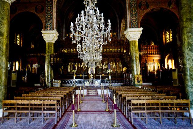 Ιερώνυμος: Εκκλησιασμός στο σπίτι – Λατρεία με προφυλάξεις σε όλες τις χώρες | tovima.gr