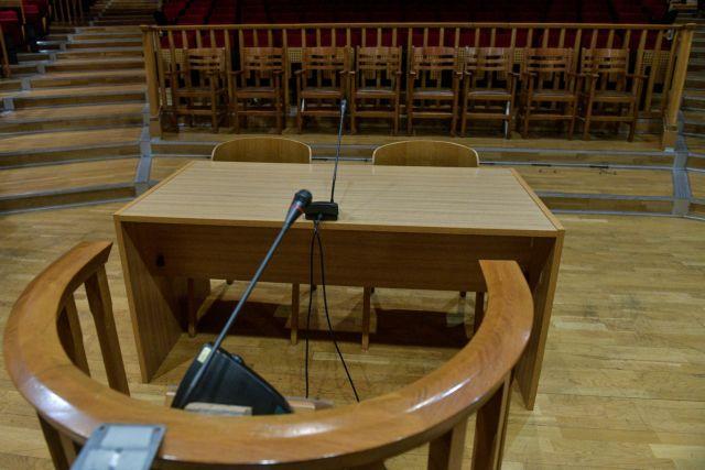 «'Οχι» στο voucher των 600 ευρώ λένε οι δικηγόροι – Αντιδράσεις για την εξαίρεση από τα 800 ευρώ | tovima.gr